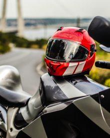 Kaski motocyklowe – wiedza dla motocyklisty